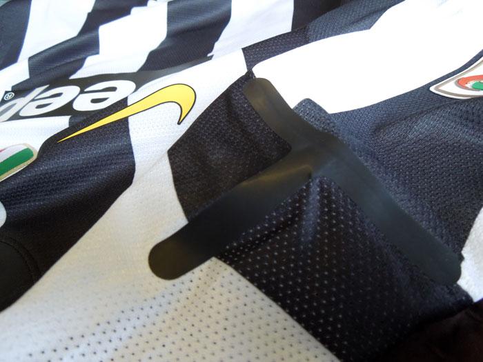 Juve authentic jersey shoulder t-bone silicone