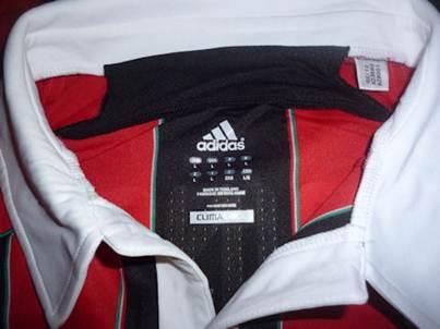 AC Milan home jersey collar