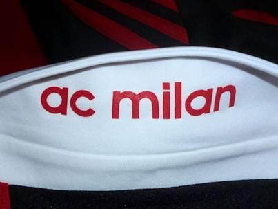 AC Milan jersey collar backside