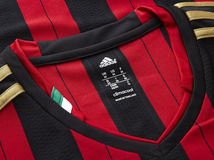 AC Milan collar with Italian flag