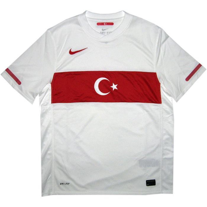 Turkey home   away jersey 2010/12