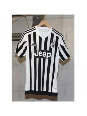 Juventus home jersey 2015/16