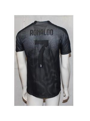 Ronaldo Black Out