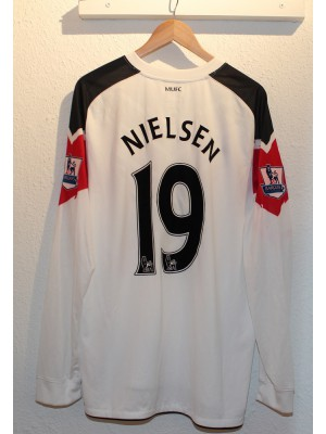 Manchester United away jersey L/S 2010/11 - Nielsen 19