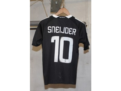 Real Madrid UCL away jersey 2008/09 - Sneijder 10