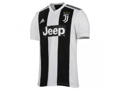 Juventus home jersey 2018/19 - by Adidas