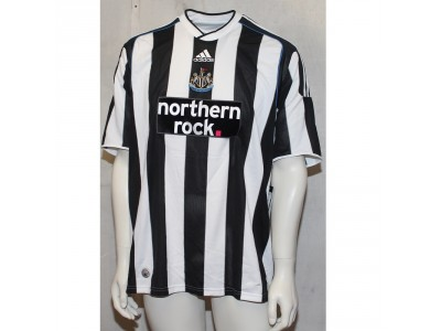 Newcastle home jersey 2009/10 - Lowenkrands 11