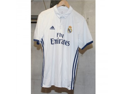 Real Madrid home jersey 2016/17 - James 10
