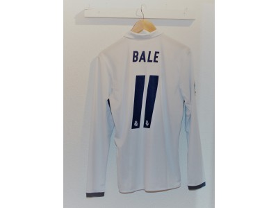Real Madrid home jersey L/S 16/17 - Bale 11