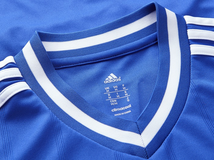 Chelsea FC home jersey 13/14 collar