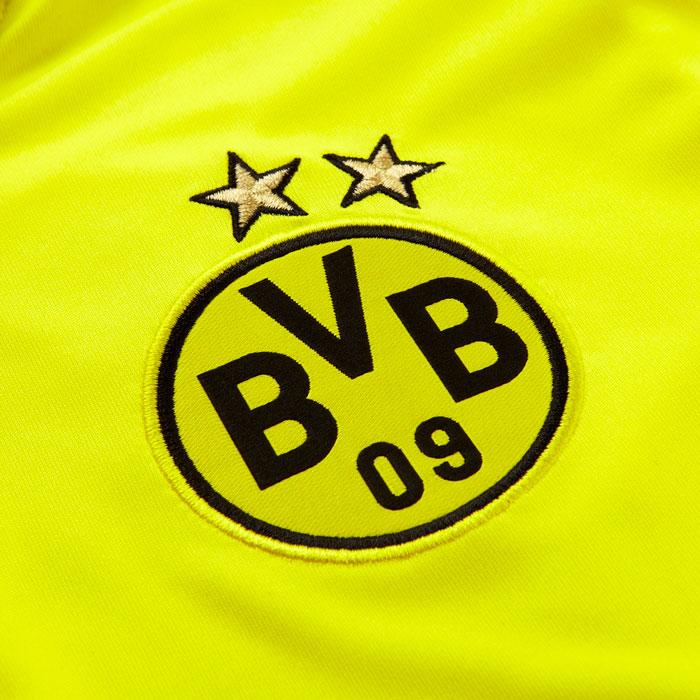 Dortmund crest + 2 stars