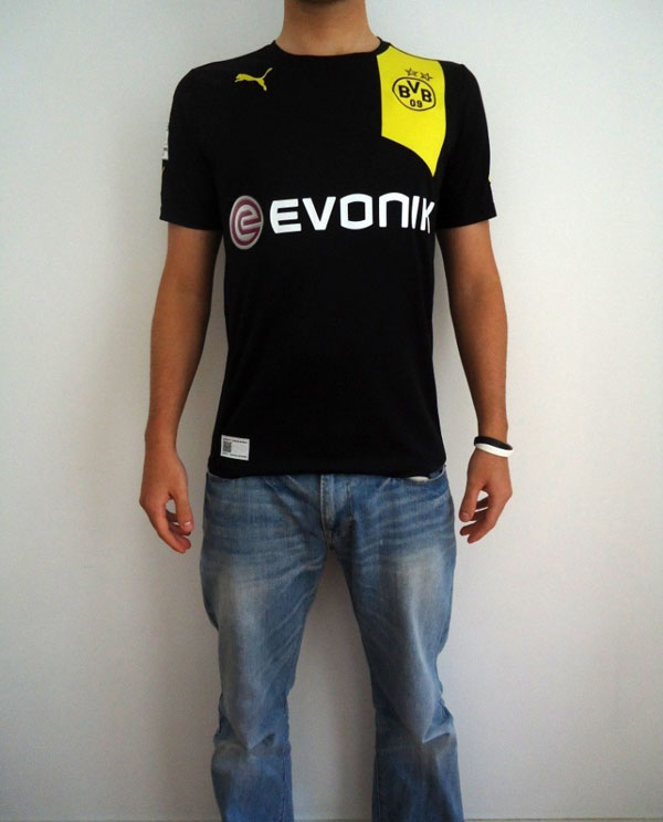 BVB jersey on model