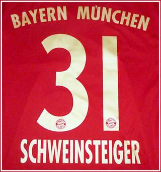 FC Bayern name and number