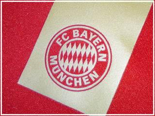 FC Bayern club logo in numbers