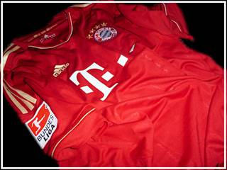 FC Bayern home jersey front