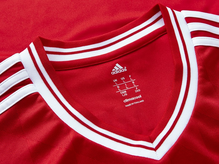 FC Bayern home collar for the jersey 13/14