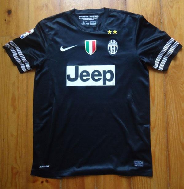Juventus away shirt 12-13