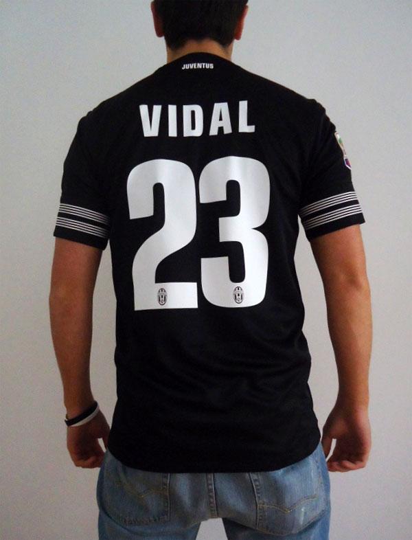 Juventus away jersey name and numbers