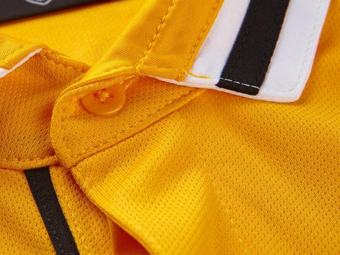 Juventus away collar close up look