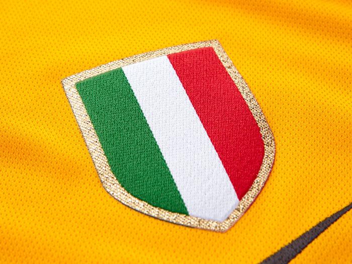 Juventus away kit Scudetto badge