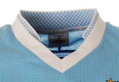 Man City home jersey collar 11-12