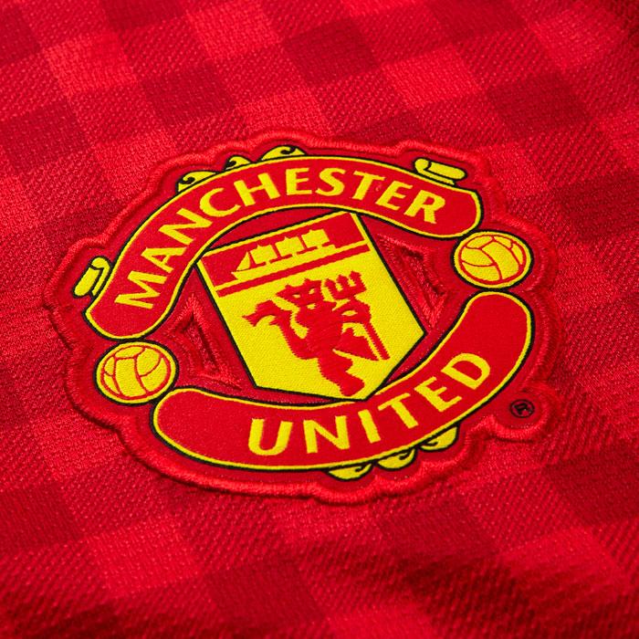 Man Utd club crest