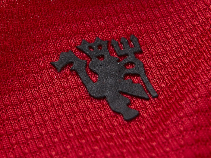 Man Utd backside of neck Red Devil