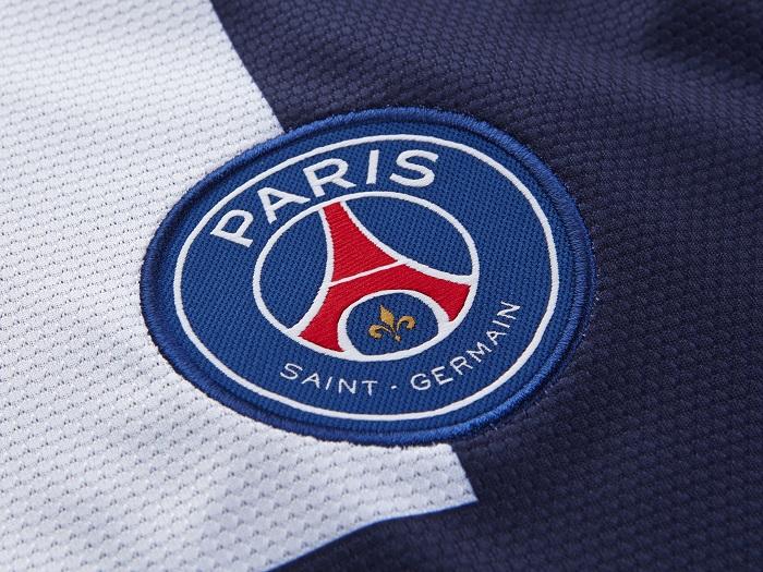 Paris SG home kit club logo