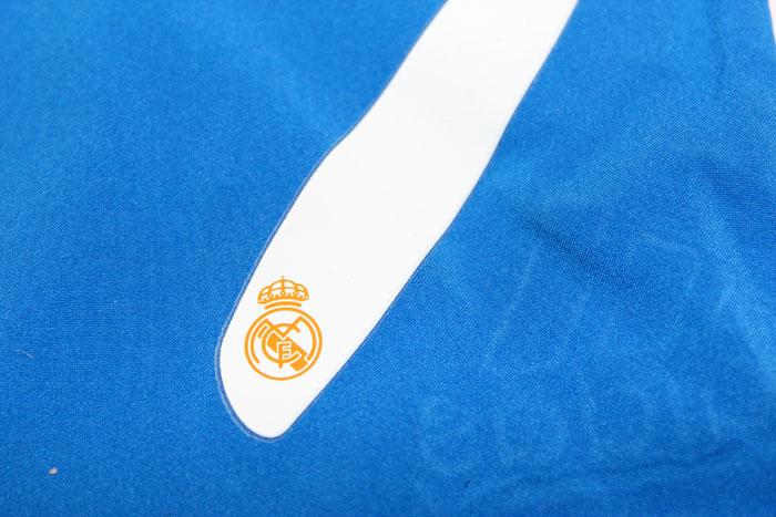 Real Madrid away shorts number 7 club logo