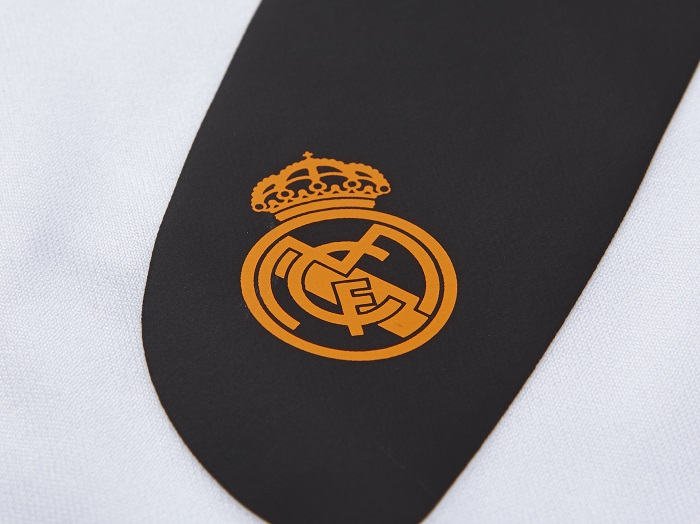 Real Madrid name and number kit club logo