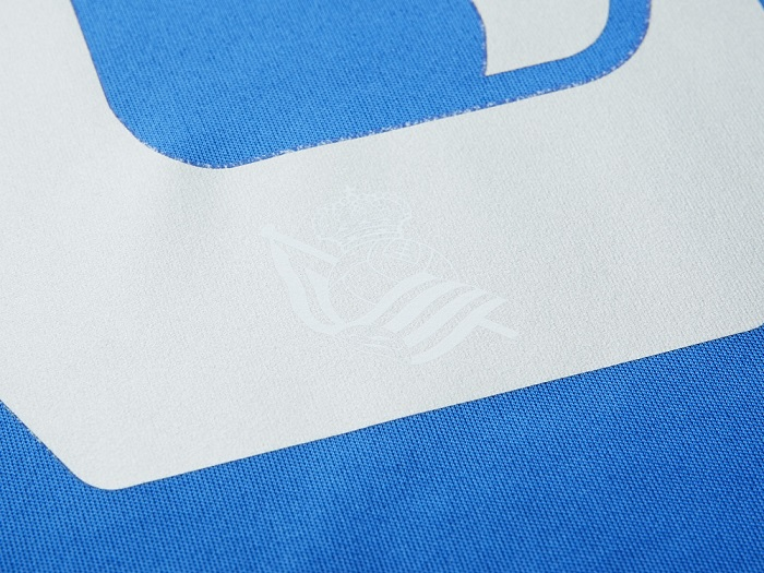 Real Sociedad number 6 club logo
