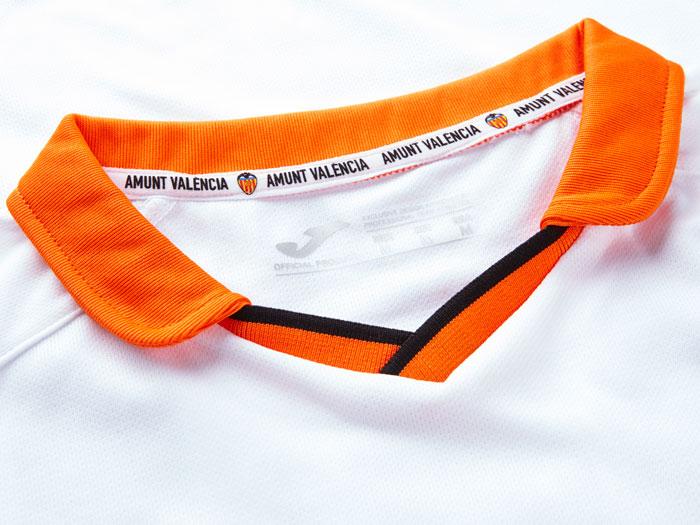 Valencia home jersey 13/14 collar