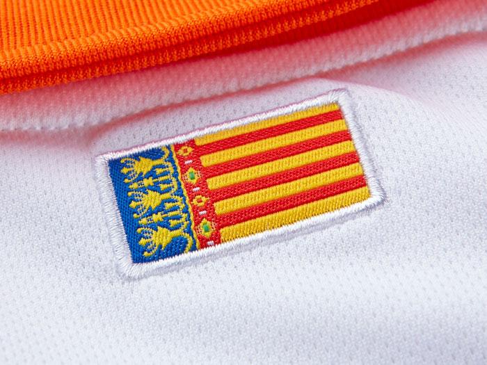 Valencia home jersey 13/14 flag