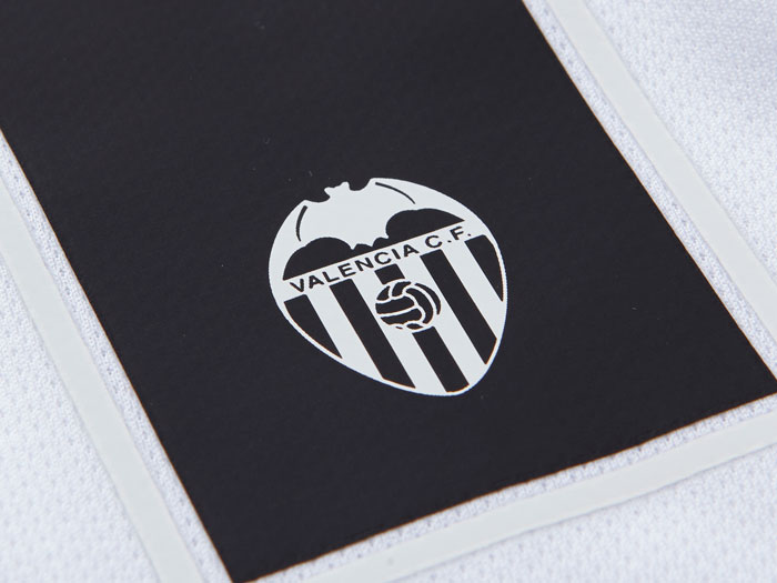Valencia number with club logo engraved