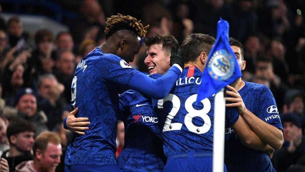 Chelsea 19/20 home kit