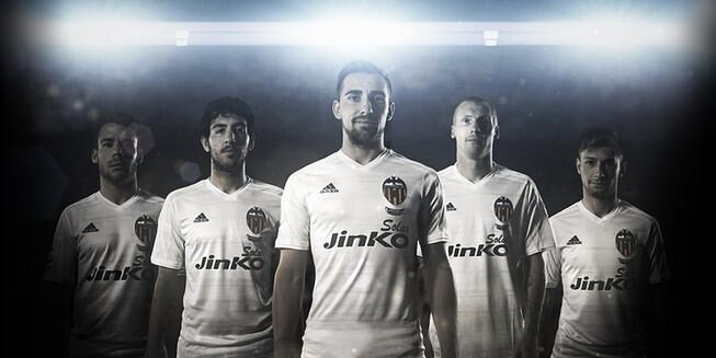 Valencia home kit 2014/15 from Adidas