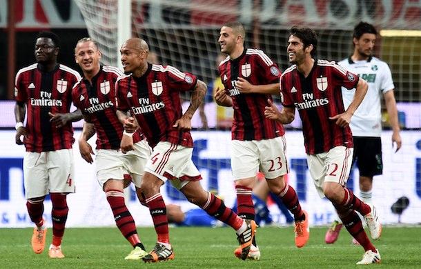 AC Milan shorts numbers 14/15