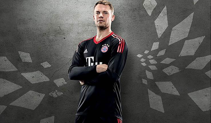 Bayern goalie kit 17/18 - Neuer 1