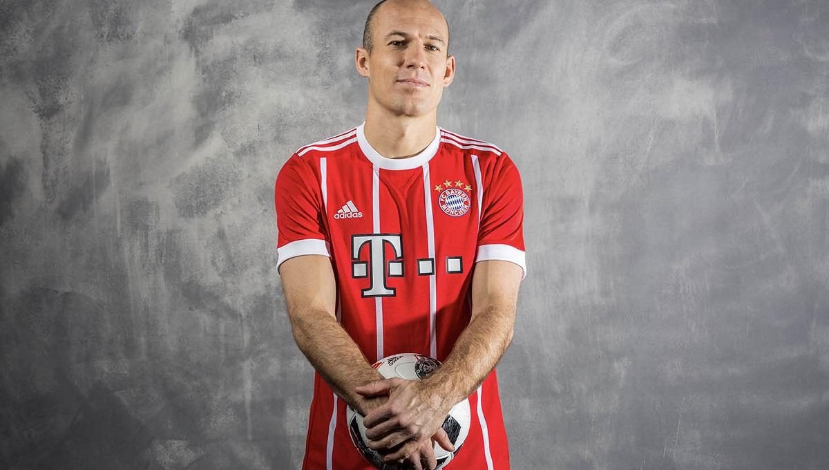 FC Bayern Munich home kit 17/18