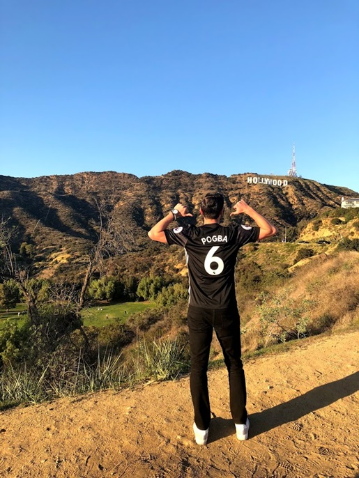 Man Utd away jersey in Hollywood