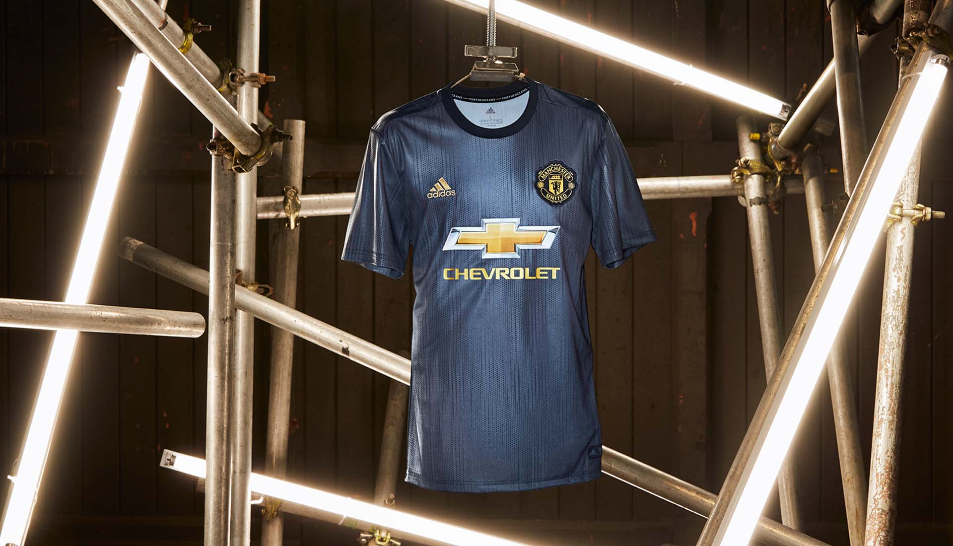 Man Utd third kit 2018/19