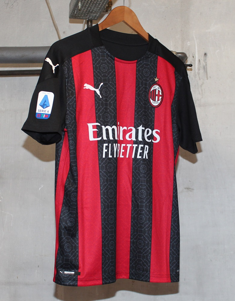 AC Milan home kit 20/21 Serie A badge